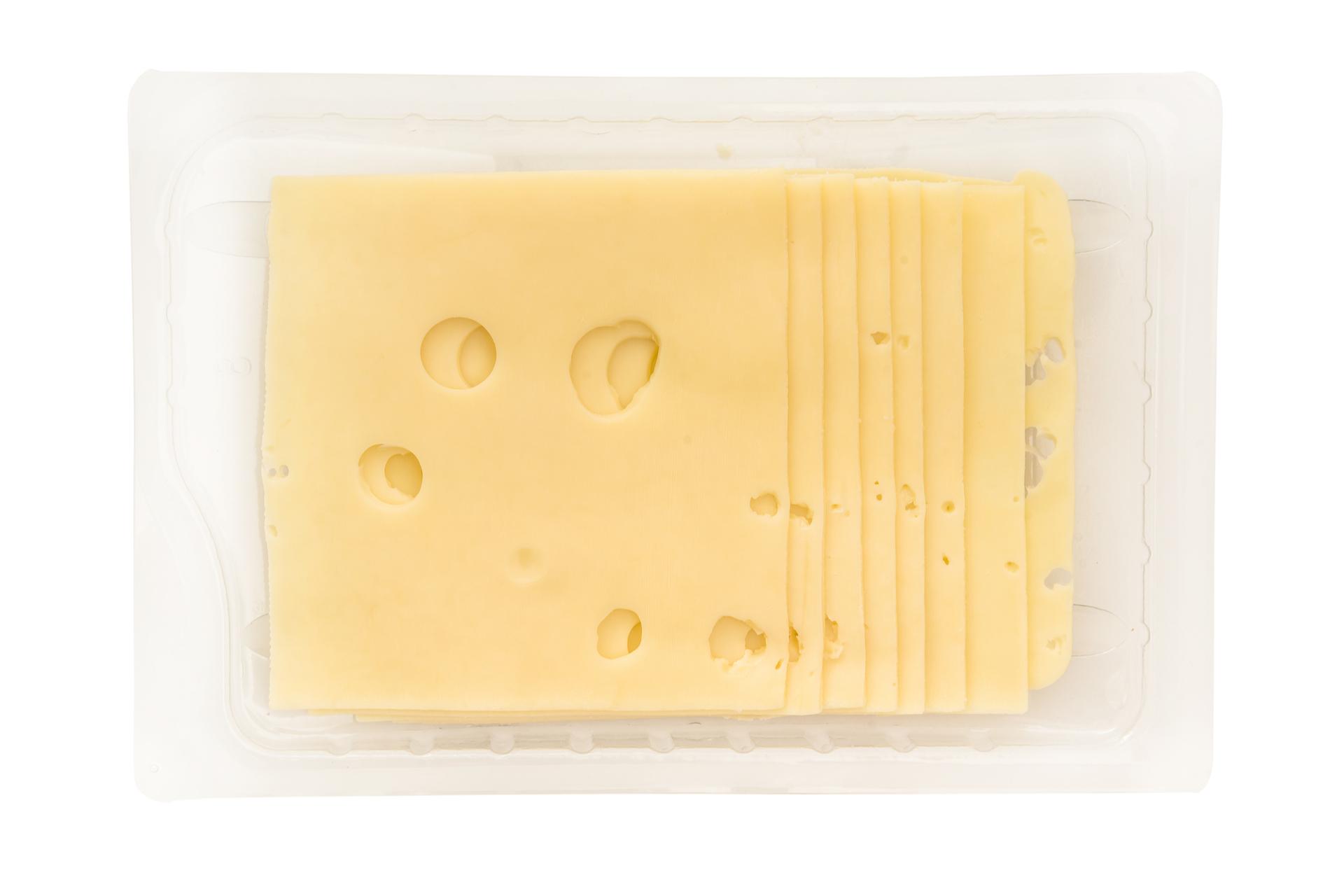 kaas met gaatjes in verpakking